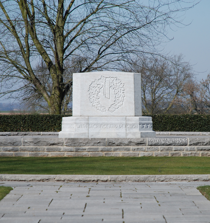 Canadian_Memorial_Courcellete